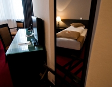 The Corner Hotel Frankfurt Economy Single Room
